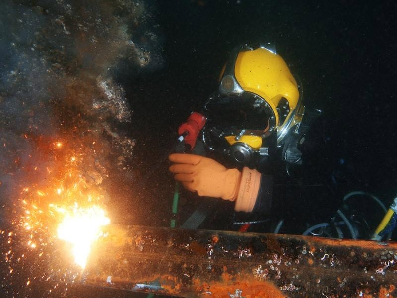 Underwater welding & burning